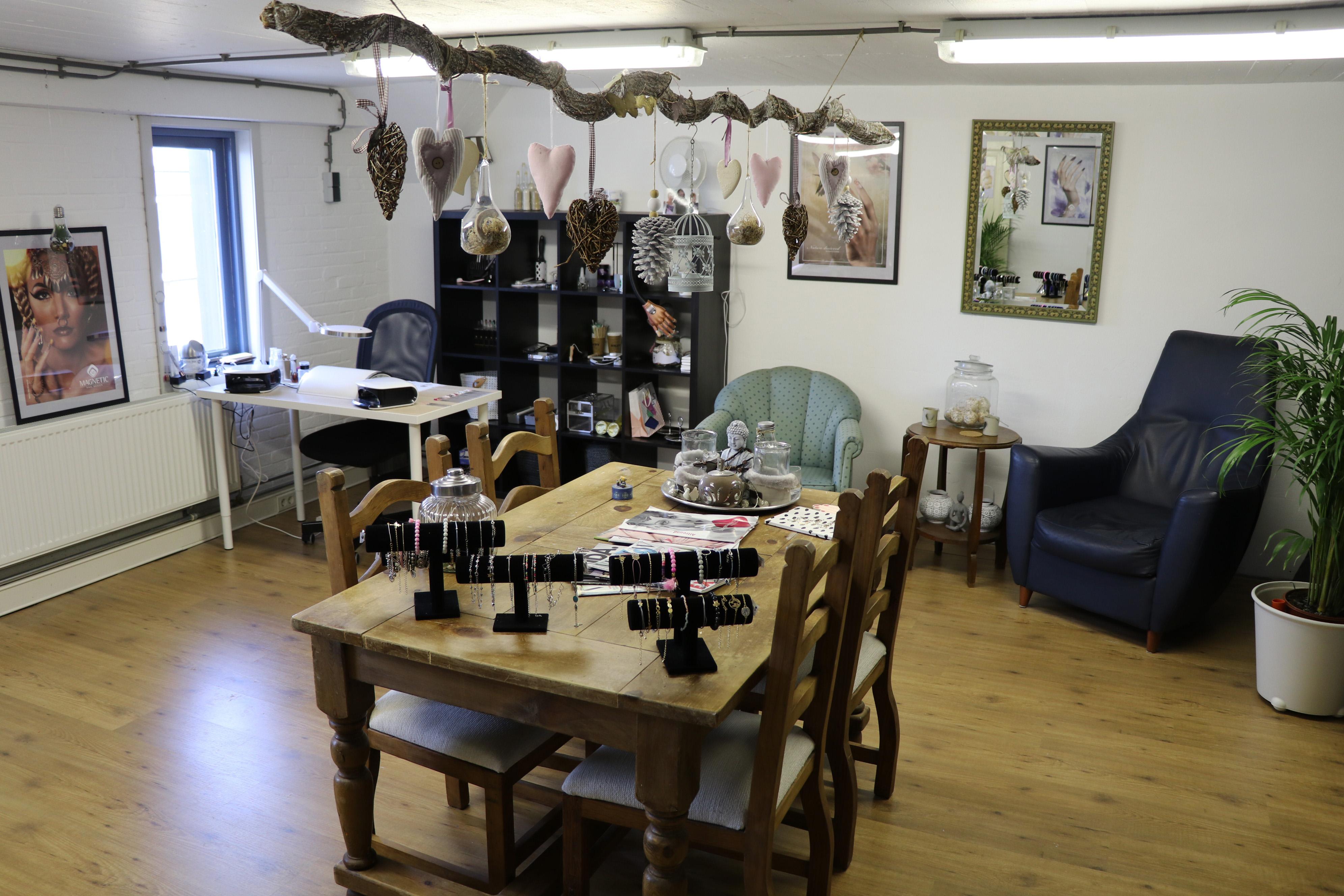 Onze salon Joke Klerk Lasjunas nagelstudio Haarlem